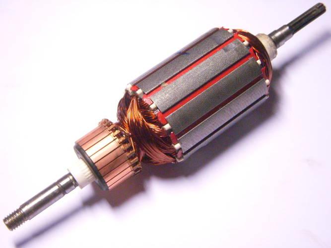 Якорь электрокосы с зацеплением через 7 прямых шлицов, общая длина 199 мм, диаметр 46 мм, на одном конце резьба 8 мм, на другом 7 прямых шлицов, для триммера типа Ворскла, Гранит 1400, Зенит ЗТС-1300, 1400, Powertec PT 2855, Sturm GT3514D, Энергомаш ГК-35140Д, Patriot ET 1255 (250 30 4410), длина пакета 52 мм, посадка подшипников 129 мм