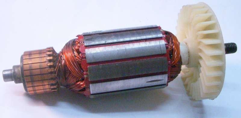 Якорь двигателя электрорубанка Темп 1100, общая длина 158 мм, диаметр/длина каркаса 42,5/48 мм, передний подшипник (от крыльчатки) на 9 мм, задний на 8 мм, между посадками 131 мм, резьба под гайку М8