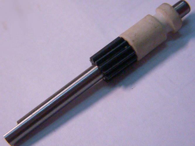 Зубчатый вал 65 мм для маслонасоса бензопилы Rebir
