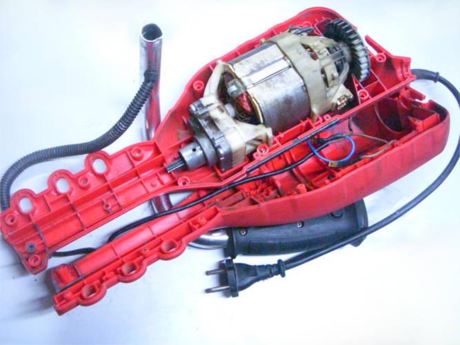 Ремонт электрокосы: разборка, тестирование двигателя, проверка обмотки якоря и статора, перемотка, замена коллектора, замена подшипников, тестирование, сборка