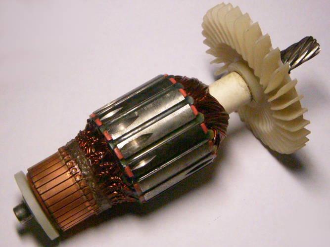 Девятизубый якорь дисковой электропилы с коротким пакетом 54*41 мм, общей длиной 184 мм, 9 зубов влево