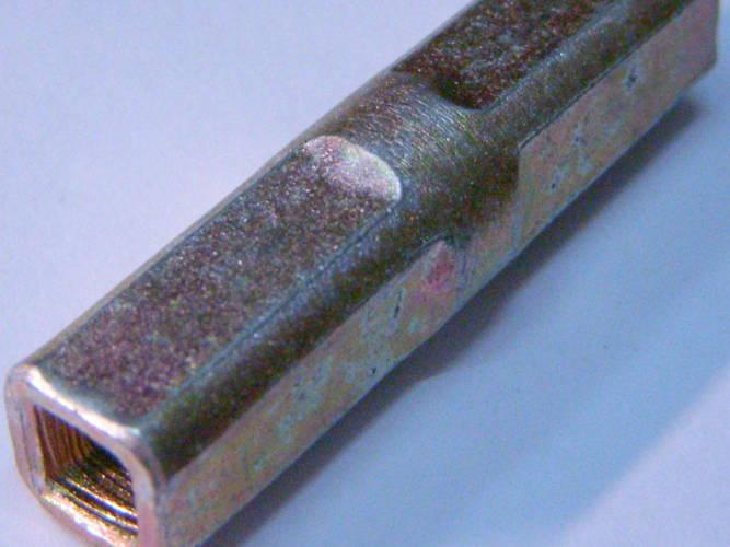 Средняя соединительная муфта квадрат-квадрат