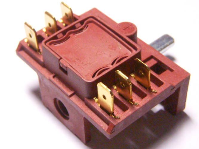 Четырехпозиционный переключатель 16 Ампер на 3+3 верхних контакта