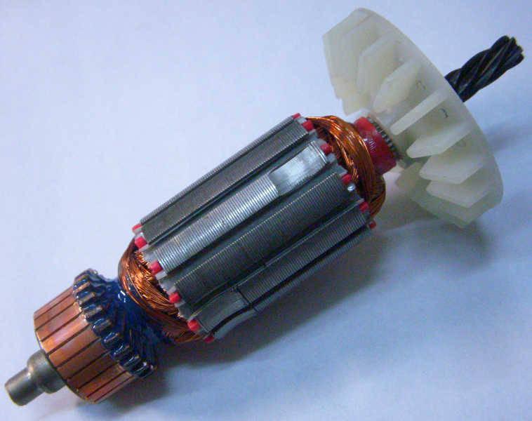 Якорь Российской электродрели (Конаково) d32 мм, общая длина 138 мм, между подшипниками 106 мм, длина каркаса обмотки 42 мм, 6 зубов влево