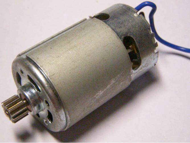 Электродвигатель шуруповерта на 12 Вольт, с шестерней на 12 зубов, диаметром 37 мм