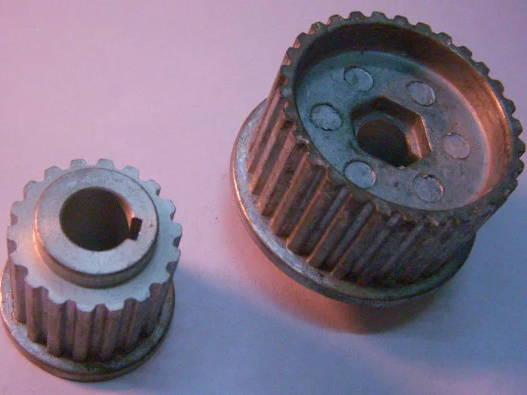 Комплект алюминиевых шкивов 48 и 28 мм неоригинального Rebir IE-5709 или советского электрорубанка ИЭ-5709, посадка на шпонке
