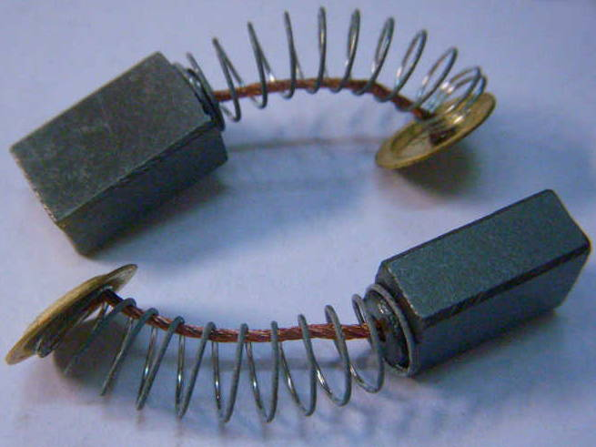 Щетки сечением 7*11 с контактами пятаками, провода в пружинах, для триммера Eltos KG-2400