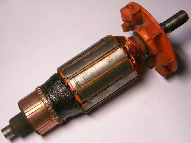 Якорь советского электрорубанка ИЭ-5709А, диаметр 43 мм, длина 179 мм, подшипники стоят на 139 мм, длина пакета 47 мм, такой якорь можно перематывать вечно